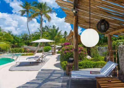 exklusive beleuchtung terrasse pool terrassenmoebel pendelleuchten 400x284 - Leuchtkugeln