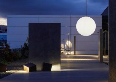 moderne beleuchtung terrasse leuchtkugeln 1 400x284 - Leuchtkugeln