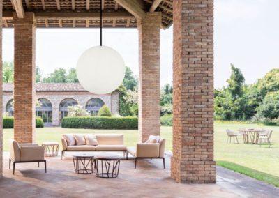 terrasse pendelleuchte moebel weisse runde leuchten 1 400x284 - Leuchtkugeln