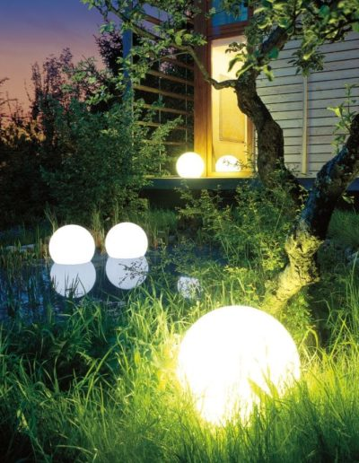 wasserfeste leuchtkugeln garten pool biotop 400x516 - Kugelleuchten Garten